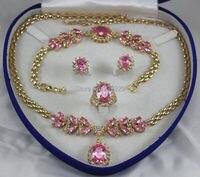 أسعار الجملة شحن مجاني ^ ^ المرأة مجوهرات الوردي كريستال جوهرة الذهب الأصفر قلادة حلقة القرط سوار