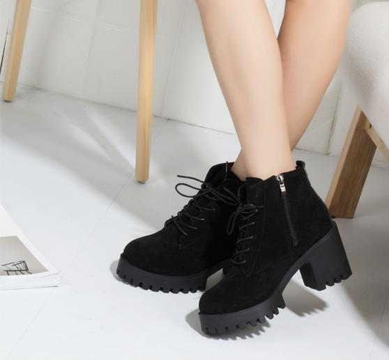 Lace-up thick ankle boots female 2018 Korean version of the new winter plus velvet warm British thin women's boots 2