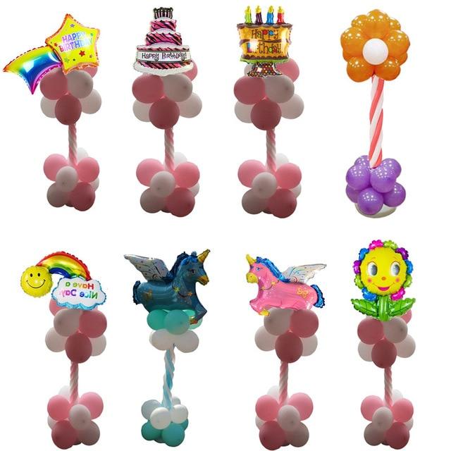 Fai Da Te In Posizione Verticale Del Basamento Di Compleanno