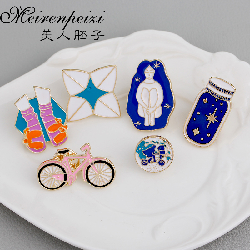 6PC Brooches Wishing Bottle Shoes Origami Girl World Travel Bicycle Enamel Pin Round Geography Pin Planet Earth Pin Badge Gifts