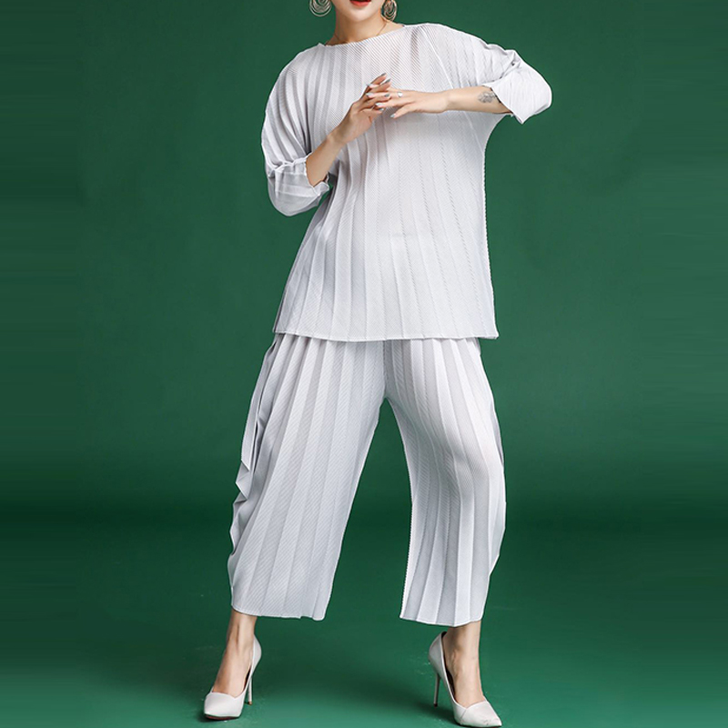 Changpleat 2018 New Women Sets Miyak Pleated Fashion Design T-shirts and wide legged pants Large Size Female suits Tide S9679078