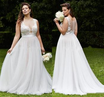 Country Plus Size Wedding Dresses 2019 Illusion Jewel Covered Button Sweep Train Lace Appliques Long Bridal Gowns Customized