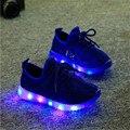 2016 Outono Moda LED Iluminado calçados infantis meninas meninos casuais Malha Respirável sapatos tênis com luzes para crianças