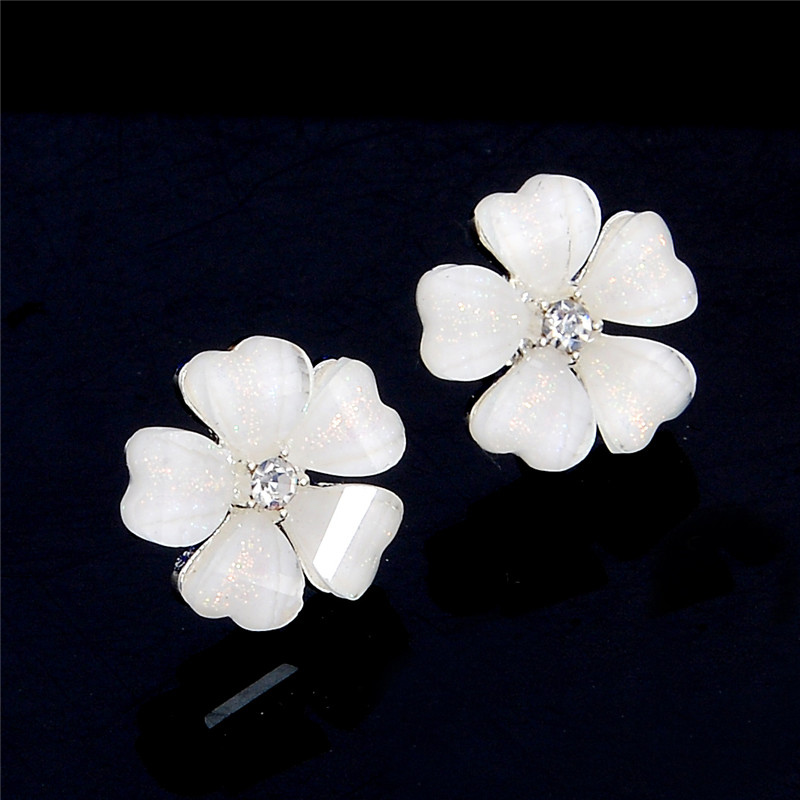 Qcooljly 5 leaves clover center crystal pistil girls pink black qcooljly 5 leaves clover center crystal pistil girls pink black white flower stud earrings for women fashion jewelry in stud earrings from jewelry mightylinksfo