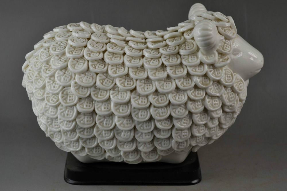 China Rare Old Handwork White Porcelain Carve Good Lucky Sheep Rare Noble StatueChina Rare Old Handwork White Porcelain Carve Good Lucky Sheep Rare Noble Statue
