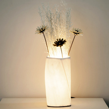 Artpad Modern Creative Bedside Table Lamp Porcelain Vase Light Wedding Study Decoration LED Romantic Atmosphere Lamp Night Light