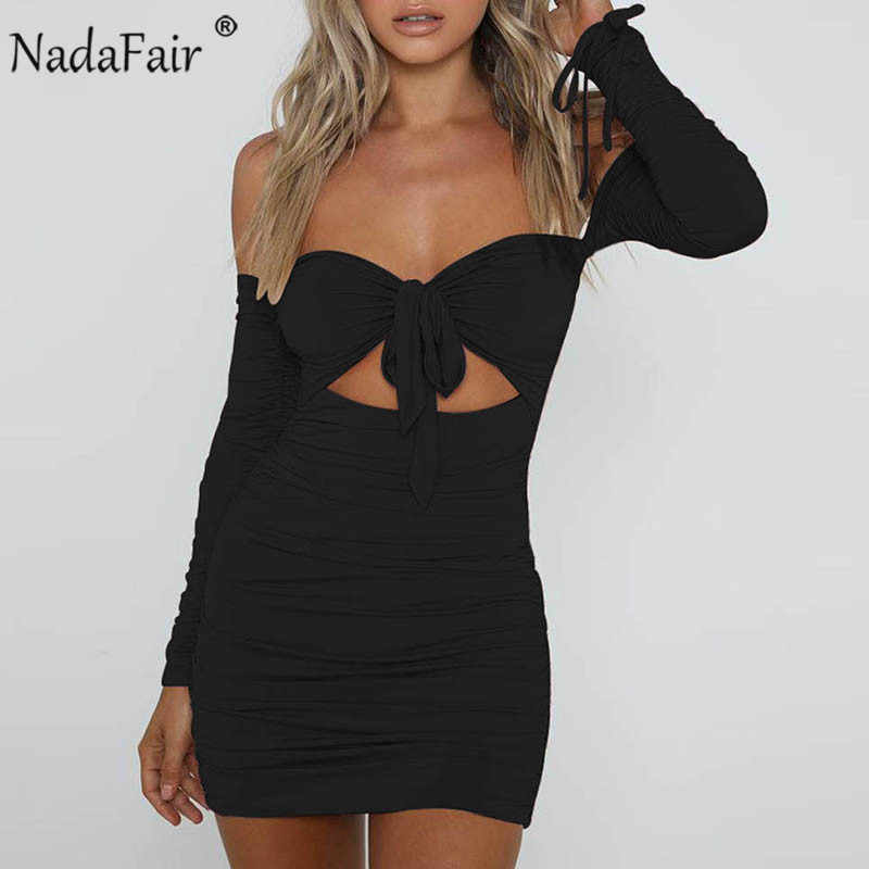 Nadafair с открытыми плечами облегающее платье мини, украшенная бантом и рюшами; зимнее платье с длинными рукавами платье с низким вырезом на спине Клубные пикантные вечерние платья