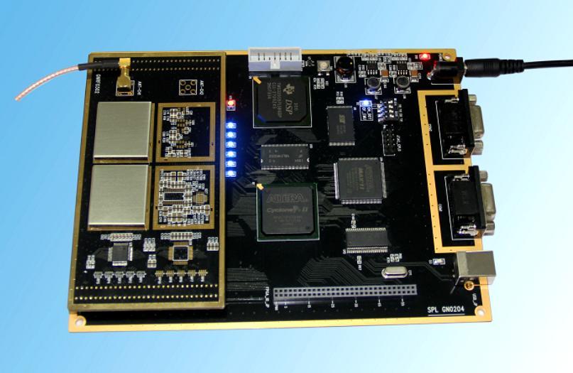 Первого поколения gps приемником спутниковой навигации разработки и проверки на платформе