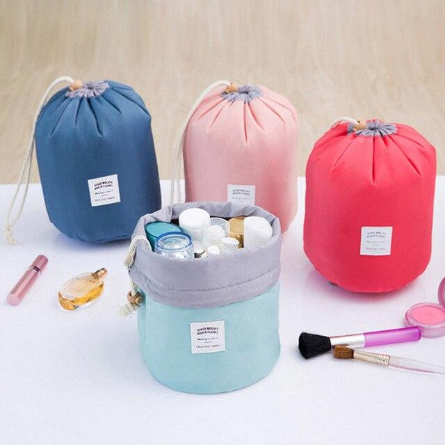 1 adet Su Geçirmez kozmetik düzenleyici Büyük Kapasiteli Renkli Seyahat İpli Silindir makyaj çantası Küçük Saklama Torbaları