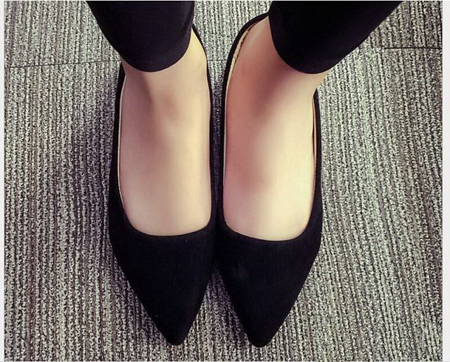 Women Shoes Spring And Autumn Fashion Pointed Top Flat Shoes Shallow Mouth Leisure Comfortable shoes Zapatos Mujer Size 35-40 2017 the new european american fashion horn bow pointed mouth shallow comfortable flat sheet metal red shoes tide size 35 41