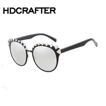 New Trends Classic sunglasses Gradient Female Famous Brand Designer Retro Vintage Sun Glasses for Men UV400