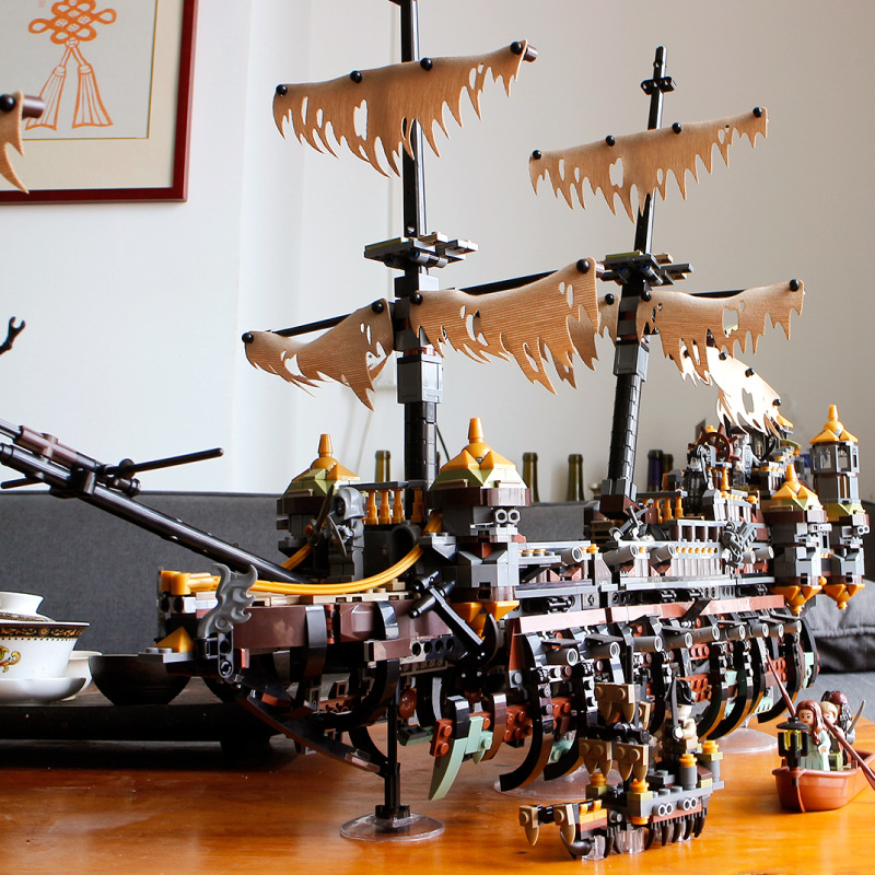 Silent Mary pirate ship with figure building blocks Caribbean pirate boat bricks model diy children s