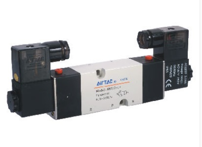 все цены на  AirTac new original authentic solenoid valve 4M220-08 AC220V  онлайн