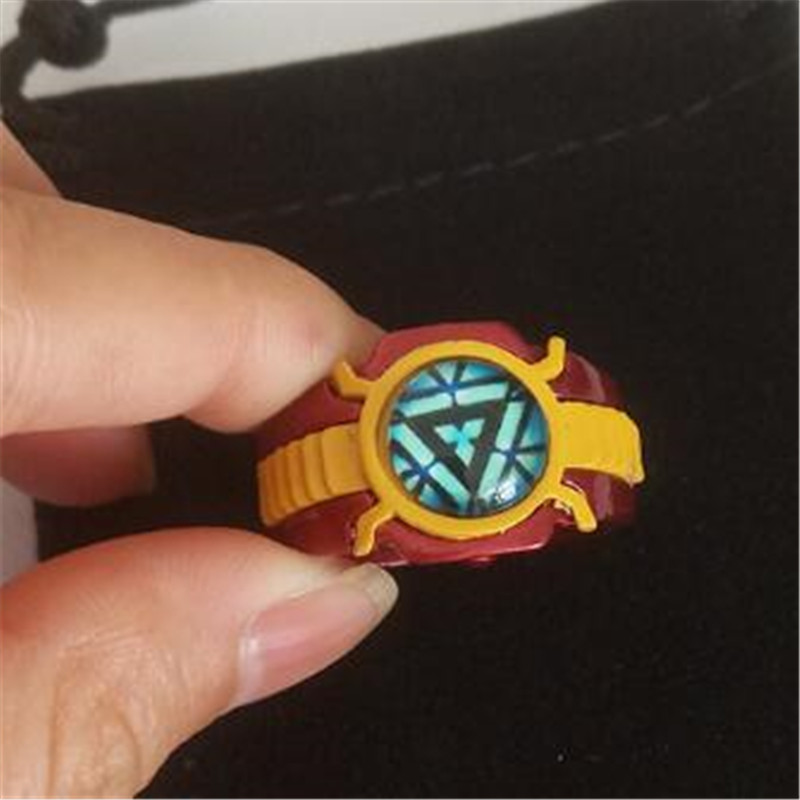 Hot New Movie The Avengers Ring Iron Man Cosplay Badge Accessories Noctilucence Ring Reactor Logo Fans Gift