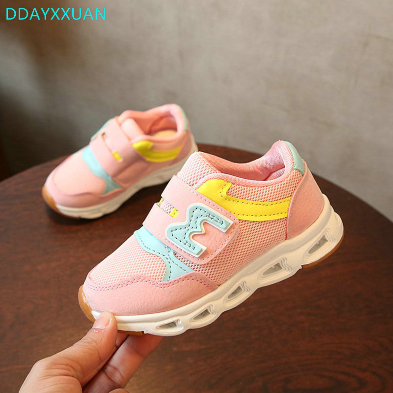 Children LED Shoes 2018 New Brand Spring Autumn Kids Sports Shoes Airmesh Luminous Glowing Girls Sneakers With Light EU 22~31