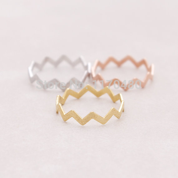 Oly2u   Filled Zig Zag Bang Thumb Ring For Women Unique Wave Ring For Party Elegant Simple Cute Wedding Female Rings
