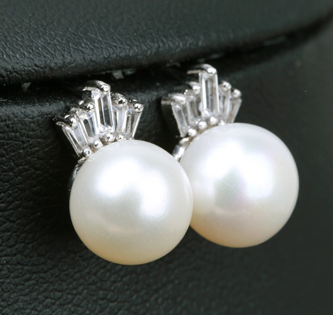 Cultured Freshwater Pearls Earrings Stud 925 Sterling Silver CZ Elegant Princess Birthstone Woman Lady Jewelry Gift