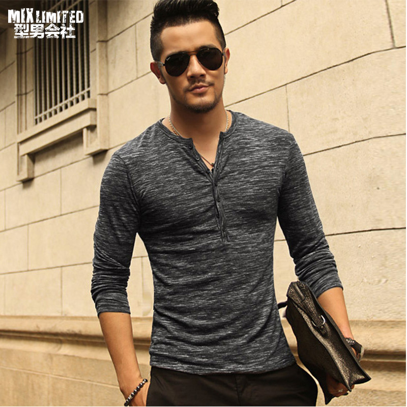 New Men Henley Shirt 2018 Nya T-shirt Långärmad Snygg Slim Fit T-shirt Knäpp Knapp Casual Men Outwears Populär Design