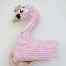 New Lovely Knitted Swan Pillows 25cm White Pink Handmade Baby Room Decoration Kids Gifts Bed Dolls In Stock Free Shipping 1pcs