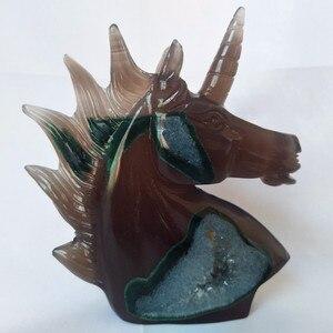 Image 3 - EEN natuursteen agaat kristallen cluster carving eenhoorn crystal skull creative carving woondecoratie noble en pure