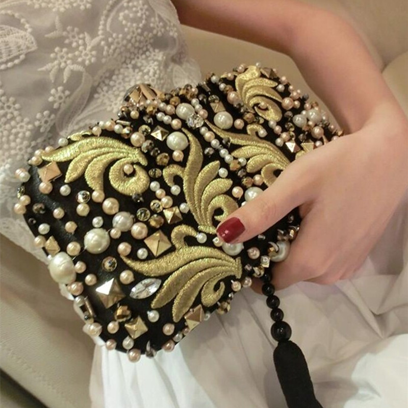 ФОТО 2017 Time-limited Rushed Single Europe And The High-grade Tassel Embroidery Seam Bead Drilling Hard Box L Bag Hand Evening Bags