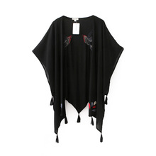 Women's Cloak 2016 Back bird embroidery tassels hanging tablets Stitching Cloak Three Quarter Bat Sleeve Coat XY2059(China (Mainland))