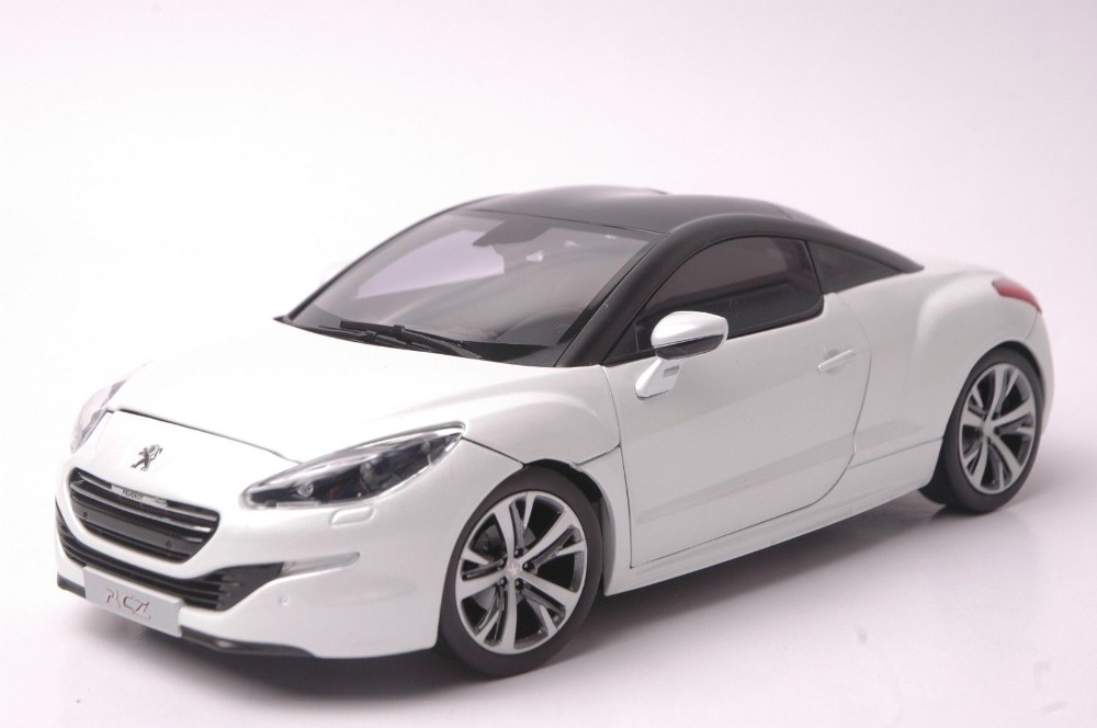 1:18 Diecast Model for Peugeot RCZ 2012 White Coupe Alloy Toy Car Collection RCZ-R 1 43 peugeot 208 gti mini alloy model diecast cars toy vehicles limited edition craft messenger car