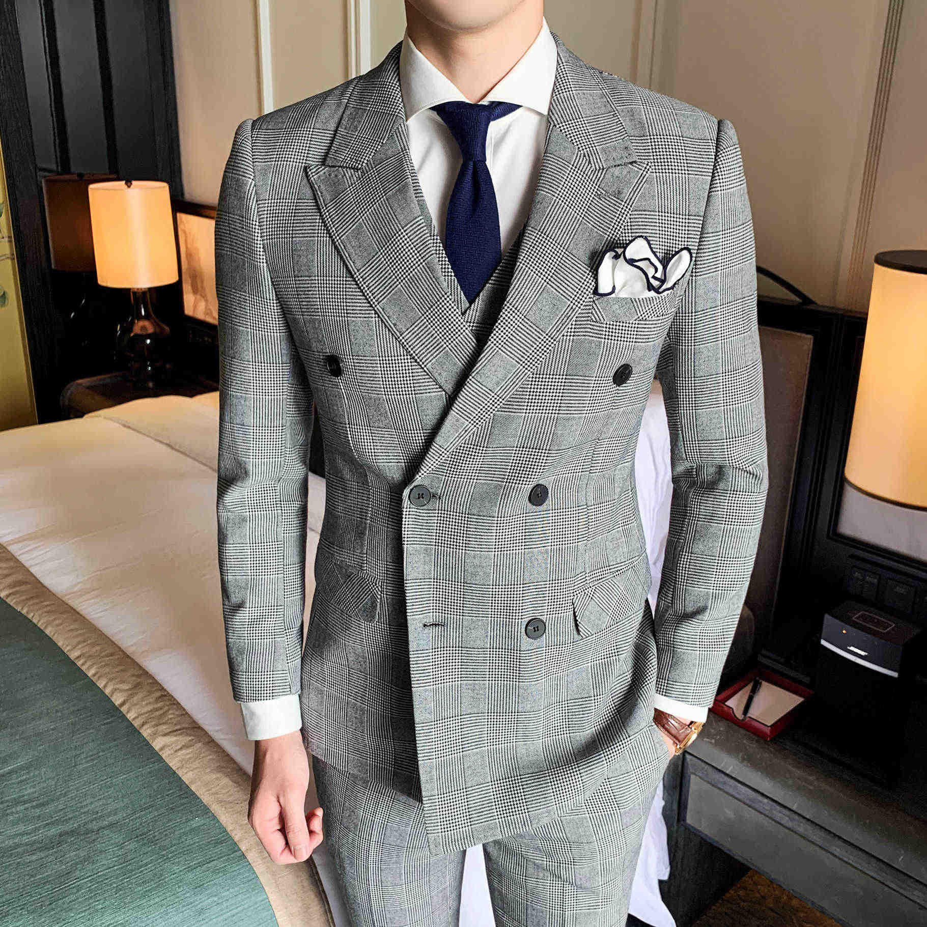 3 Pieces Suits Men 2019 Plaid Double Breasted Design Men Suit Casual Slim Fit Wedding Dress Suits Business Groom Tuxedos Costume