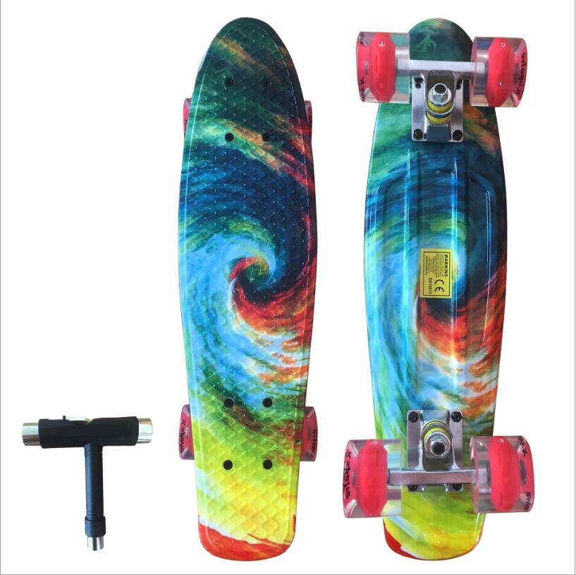 22 pouces Long Skate Board Motif Planche À Roulettes Longue Planche Penny Conseil Patins Unique À Bascule Porteur Avec Shinning Roue