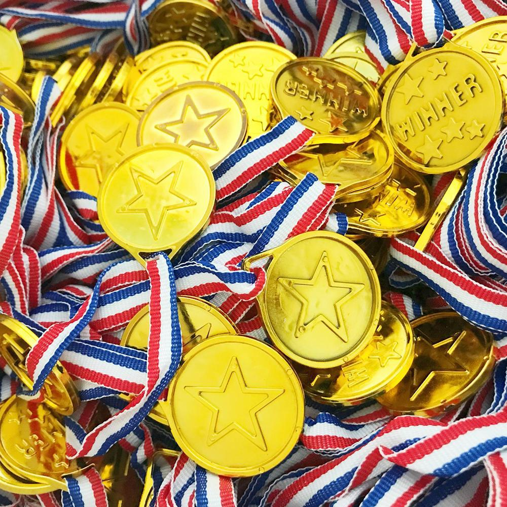 50pcs/set Prize Awards Toys Children Gold Plastic Winners Medals Sports Day Party Bag Toys For Kids Party Fun Supplies