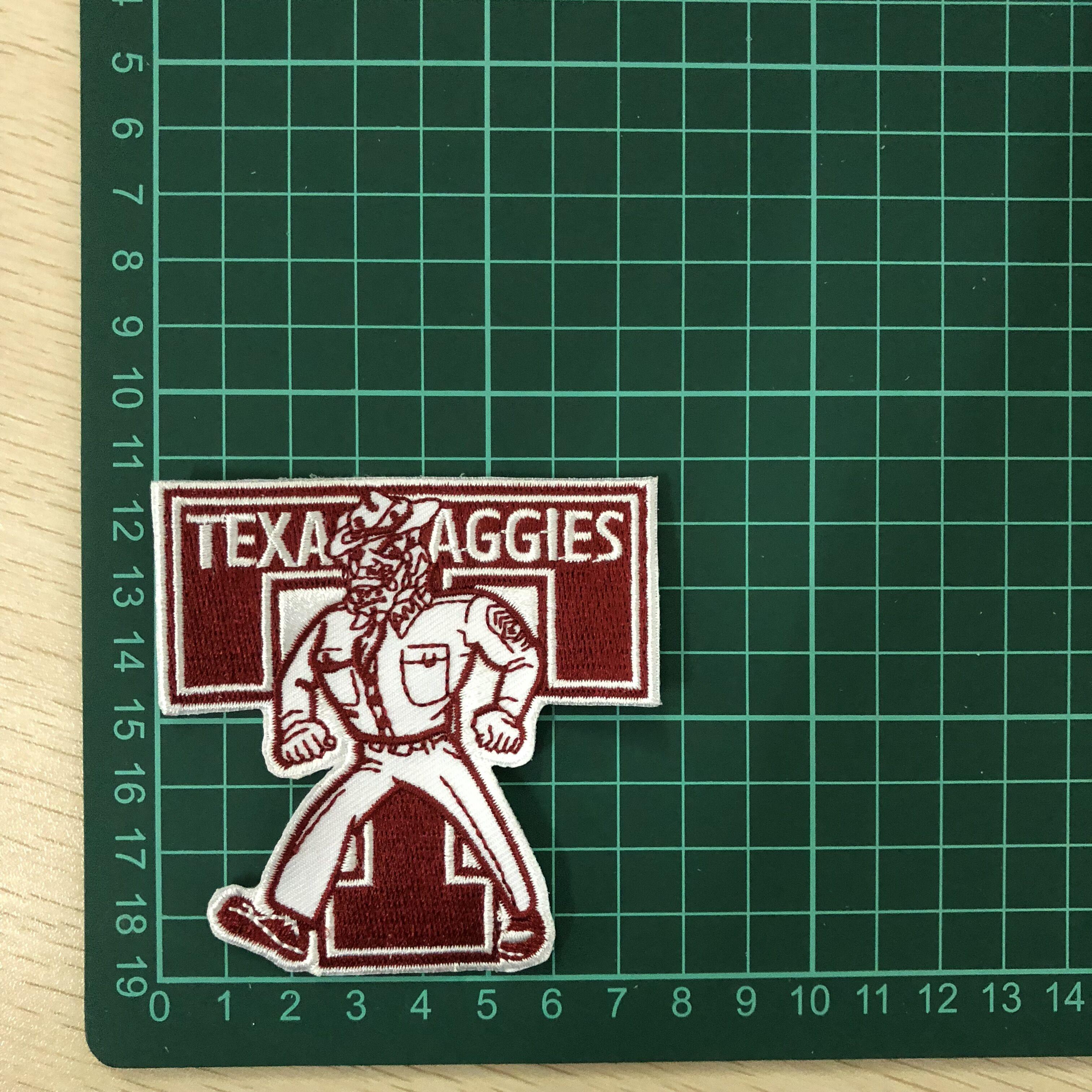 Nome Logotipo personalizado Bordado Remendos Ferro em Bordados Emblemas Design Personalizado para doação presente relativo à promoção