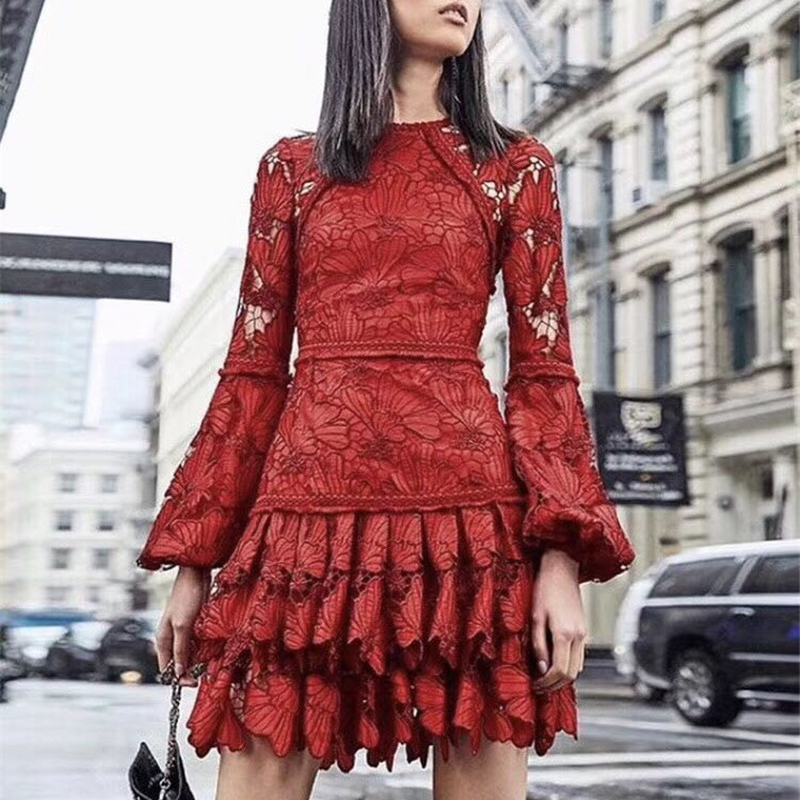高品質滑走路デザイナーエレガントな花の刺繍女性赤ミニドレスハイウエスト中空アウト女性ショートドレス Vestidos  グループ上の レディース衣服 からの ドレス の中 1