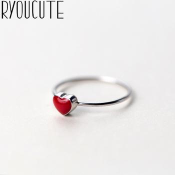 RYOUCUTE 100 prawdziwe srebro kolor biżuteria moda Big Red Love Heart Rings dla kobiet Bijoux oświadczenie antyczny pierścionek Anillos tanie i dobre opinie CN (pochodzenie) Miedziane Kobiety Metal TRENDY Obrączki ślubne ROUND Zgodna ze wszystkimi Poprawiające nastrój Statement Rings