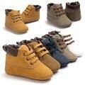 2017 Nuevos zapatos de Bebé Primeros Caminante Del Bebé Zapatillas Zapatos Inferiores Suaves de Moda atan para arriba Del Bebé antideslizantes Mocasín de Cuero de LA PU Prewalkers Botas