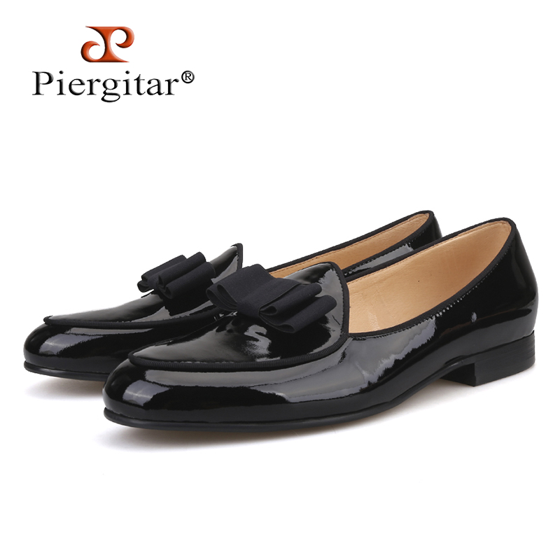 Piergitar 2018 new Patent Leather stitching with Bowtie men's loafers Banquet and Wedding men's dress shoes slip-on men shoes piergitar 2017 new black patent leather men handmade loafers with black bowtie fashion banquet and prom men dress shoes