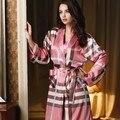 2015 Marca New Silk Robe Pijamas para Mujeres Pijama Elegante pijamas de Seda Albornoz Noble ropa de Dormir Pijamas para Mujeres de Bañera de HIDROMASAJE túnicas