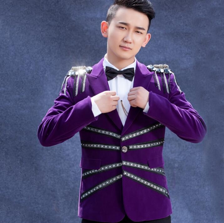 Púrpura hombres trajes diseños Velvet badg escenario trajes para ...