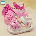2017 цветы детские обувь для девочек 0-24 месяцев летом огни обувь мягкое дно новорожденных малышей обувь впервые walker мокасины