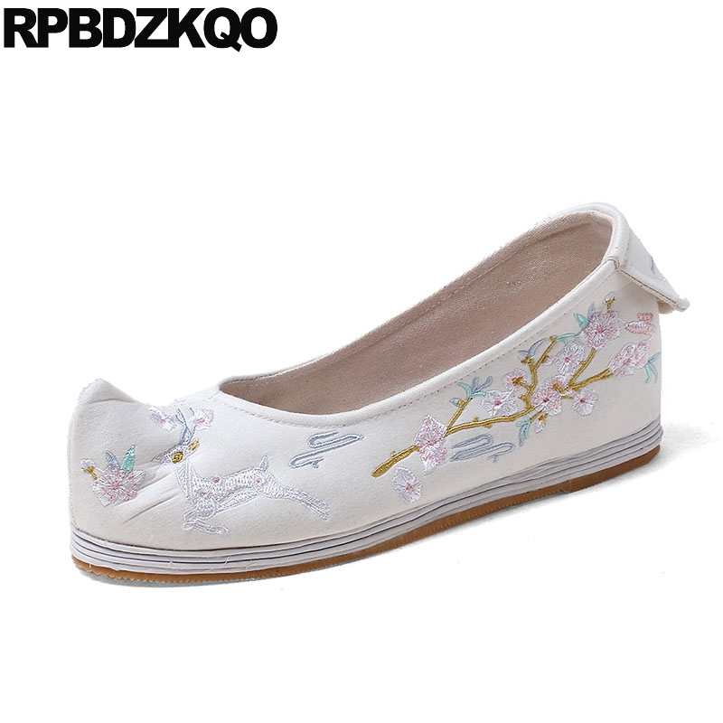 Blue Embroidered Flower Embroidery Retro Traditional Chinese Shoes Flats Handmade Ethnic Old Peking Cloth Women Elevator White