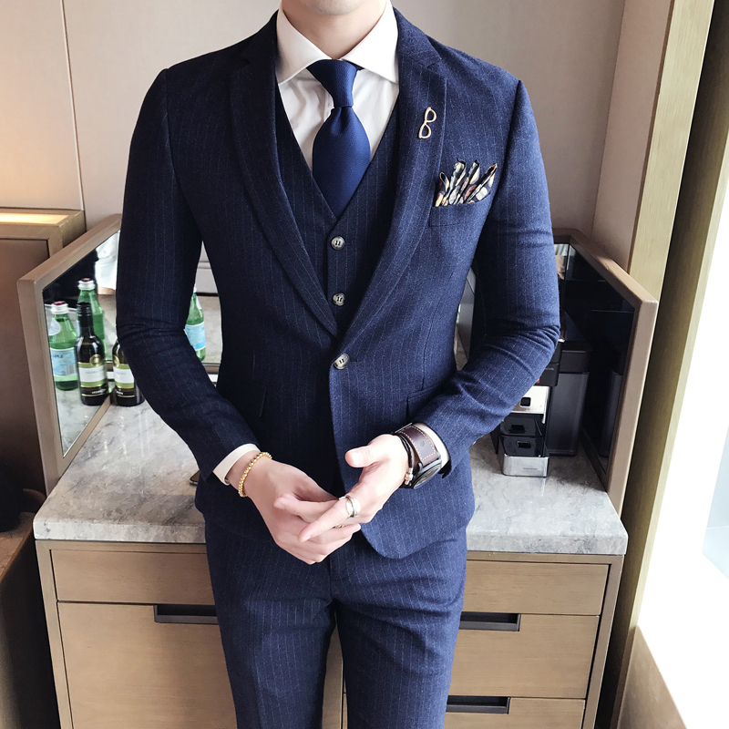 62110e1a23 2018 Spring And Summer New Gentleman Suit Men s Business Casual Fashion  Temperament Stripes British Style Windbreaker-in Suits from Men s Clothing  on ...
