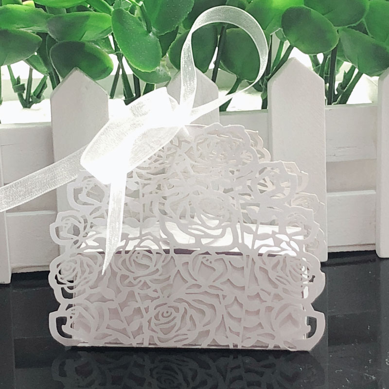 50pcs Rose Flower Laser Cut Hollow Carriage Favors Box Gifts Candy Boxes With Ribbon Baby Shower Wedding Event Party Supplies