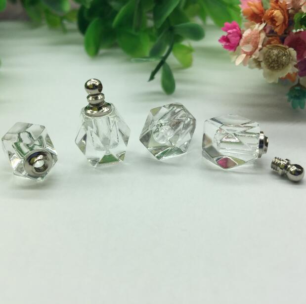 100pcs lot 10 15mm Transparent screw cap rhombus vial pendant Crystal Perfume bottle Necklace Pendant charms