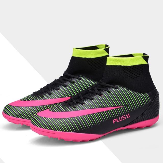 4c0b7144aa130 Nouveaux hommes haute cheville Football bottes chaussures de Football  originales enfants gazon chaussette crampons formation clou