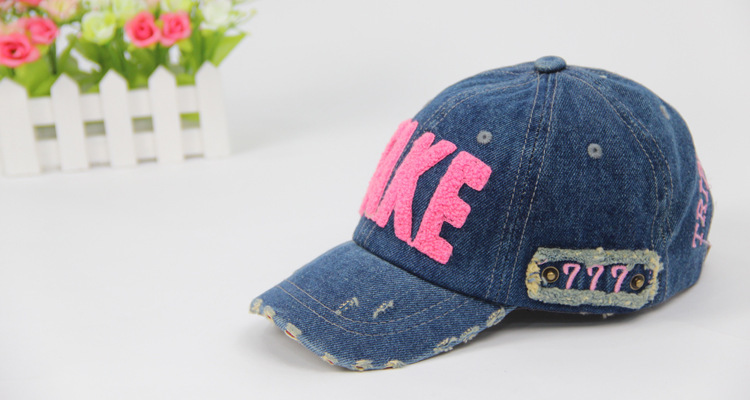 2017 New Outdoor Spring Summer Baby Girl Boy Hats Cowboy Kids Baseball Cap  Sun Hat Adjustable Casual Letter Boys Girls Cap 2 6T-in Hats   Caps from  Mother ... 09f798d379a