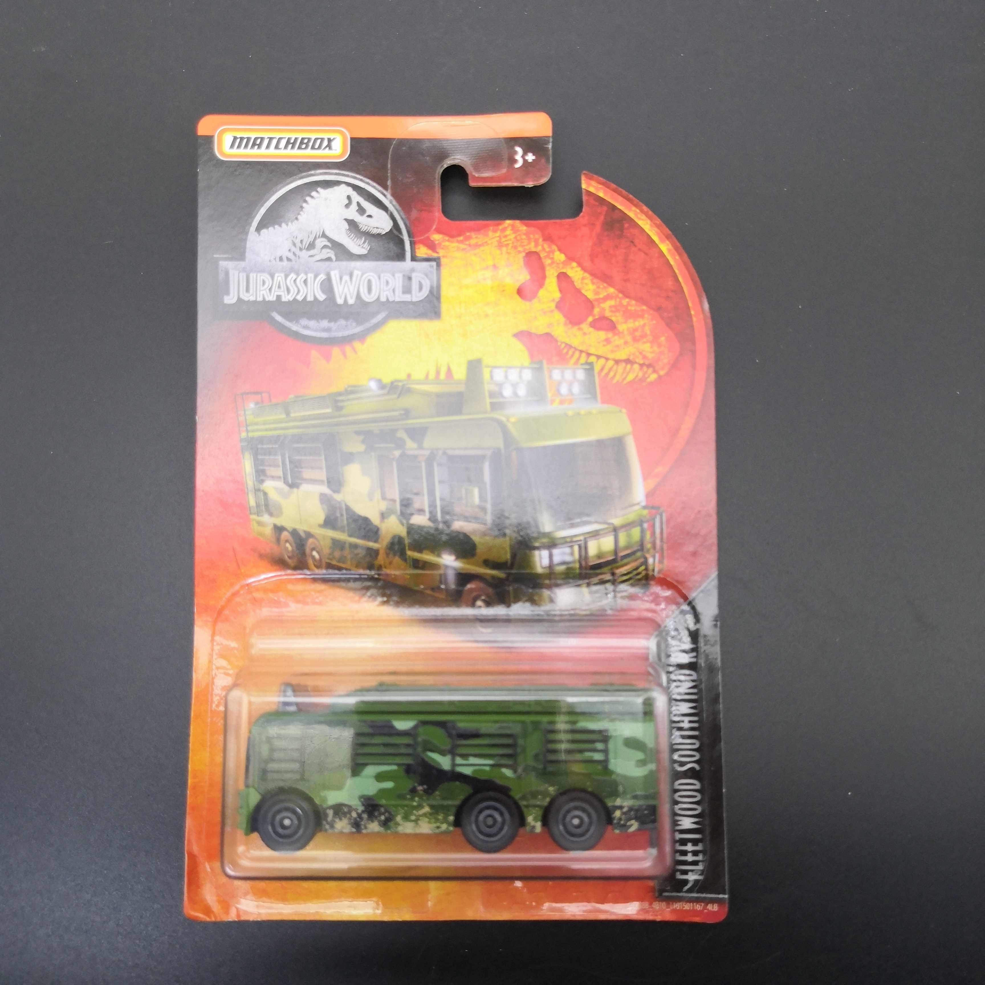 2019 Matchbox Car 1:64 Sports Car JURASSIC WORLD FLEETWOOD SOUTHWIND RV  Metal Material Body Race Car Collection Alloy Car Gift