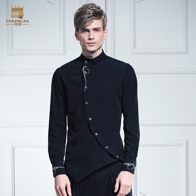 Envío Gratis moda casual masculina personalidad masculina FanZhuan collar asimetría se volvió negro espina bordado 612017 camisa de China