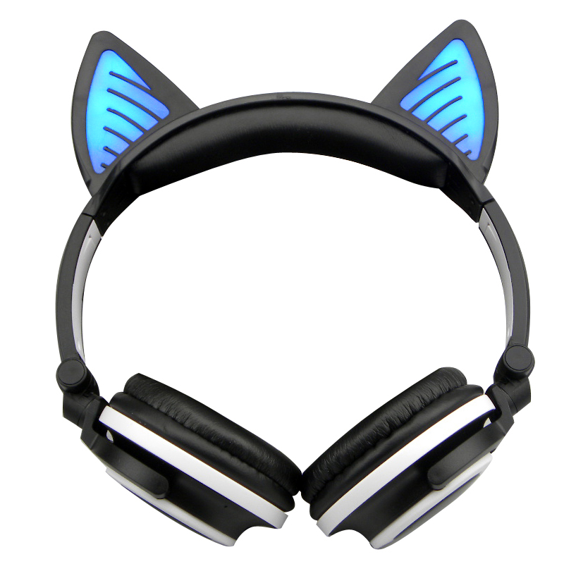 E0669-Cat headphones-1 (2)