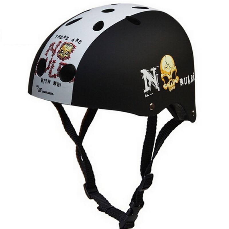 Professional Extreme Sports Helmet Skateboard Hip-Hop Safety Helmet For Skating Climbing Drifting Rafting Cycling Random Pattern