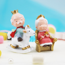 Grandpa and Grandma Cake Decoration Golden Wedding Theme Home Resin Craft Gift Creative Vehicle