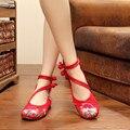 Старинные Вышивки Цветок Квартиры Цветочные Повседневная Zapatos Мода Китайский Старый Пекин узел Женщин Досуг Ретро Одноместный Танцевальная Обувь